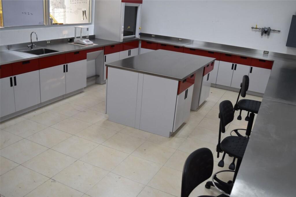 Mobiliario para laboratorio en Mérida